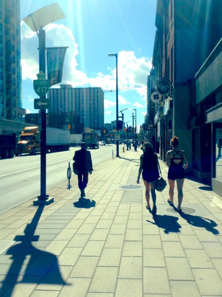 La rue Rideau, dans le centre-ville d'Ottawa